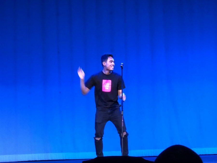 Jeter Arellano singing