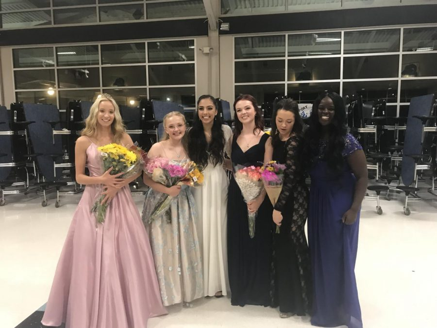 Haley Beyer, Emilie Svensson, Brennah Llanos, Sabrina Engberg, Aidan Moeck, and Miriam Kayango after the coronation.