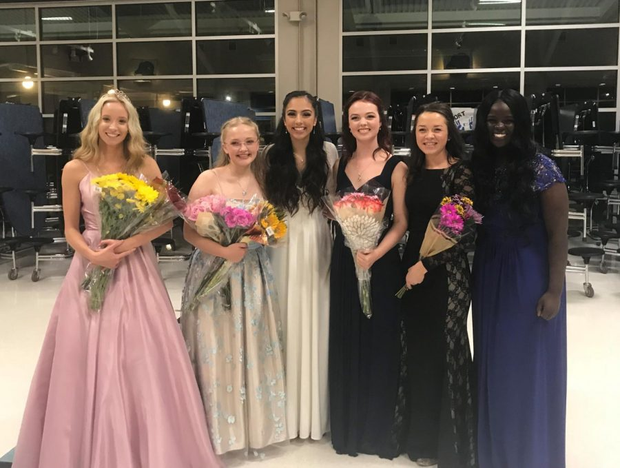 Haley+Beyer%2C+Emilie+Svensson%2C+Brennah+Llanos%2C+Sabrina+Engberg%2C+Aidan+Moeck%2C+and+Miriam+Kayango+after+the+coronation.++