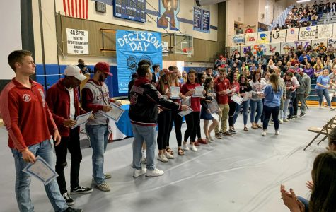 Students headed to Washington State University line up at Decision Day 2019.